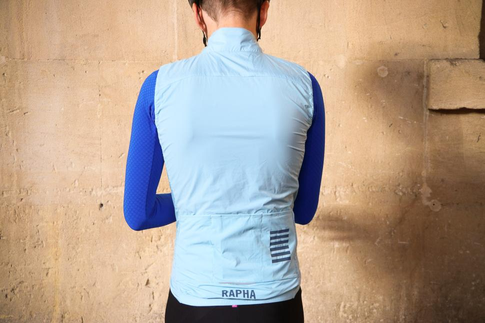 Rapha Pro Team Insulated Gilet - back.jpg