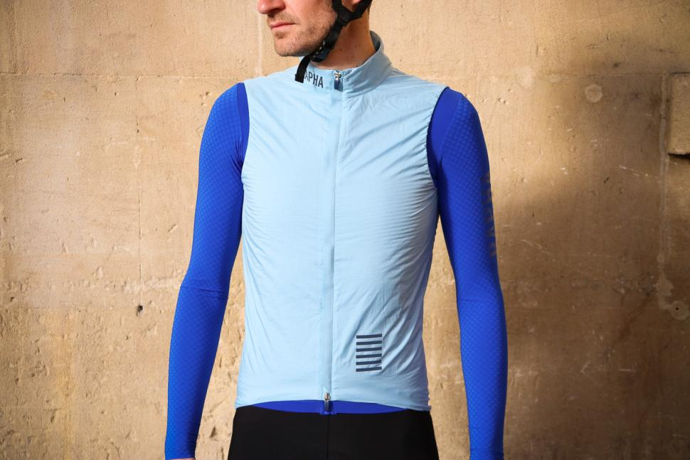 Review  Rapha Pro Team Insulated Gilet  c0cb81f5b