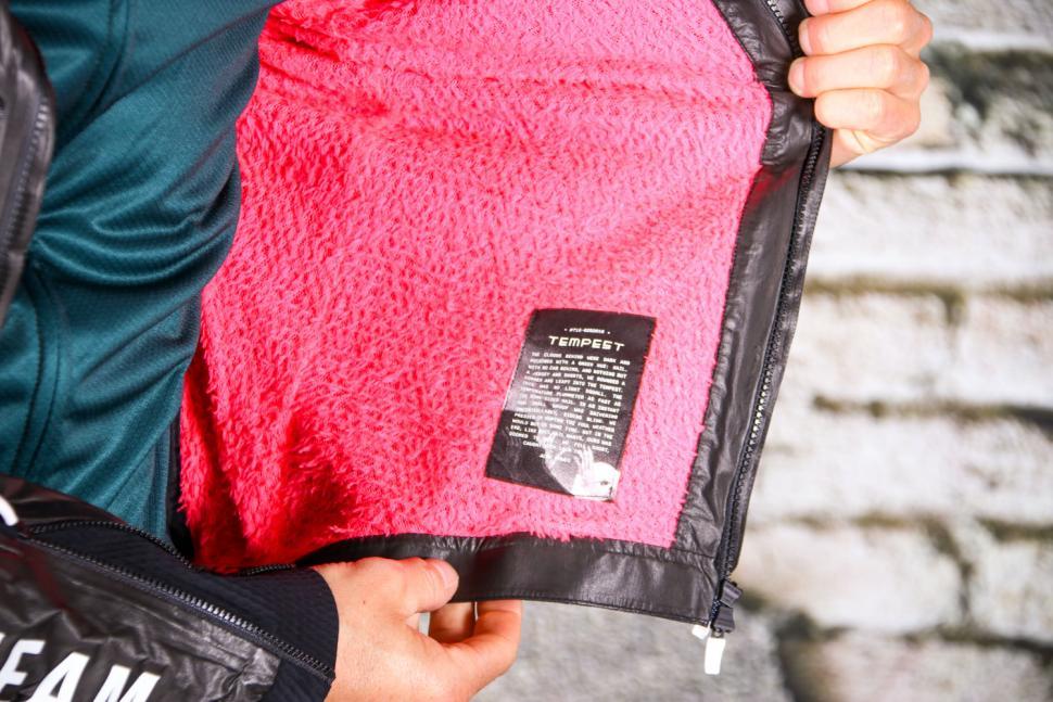Rapha Pro Team Insulated Gore-Tex Jacket - inside.jpg