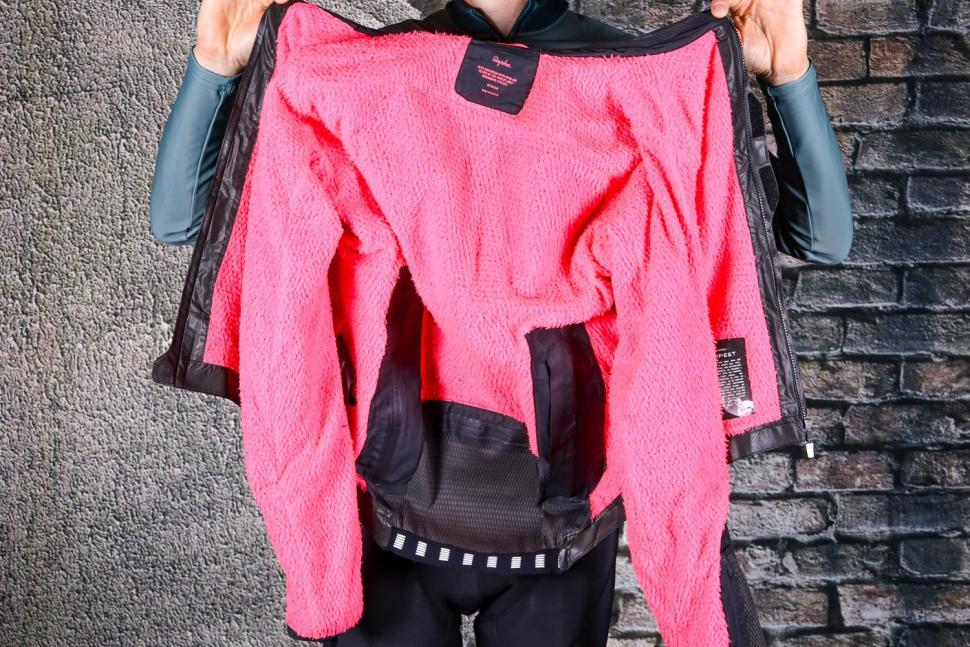 Rapha Pro Team Insulated Gore-Tex Jacket - insulation.jpg