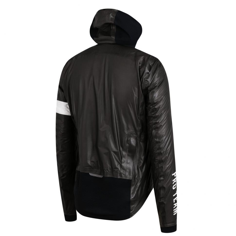 Rapha Pro Team Insulated GORE-TEX Jacket_Black_4.jpg
