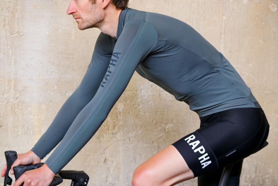 Rapha Pro Team Long Sleeve Aero Jersey - riding.jpg