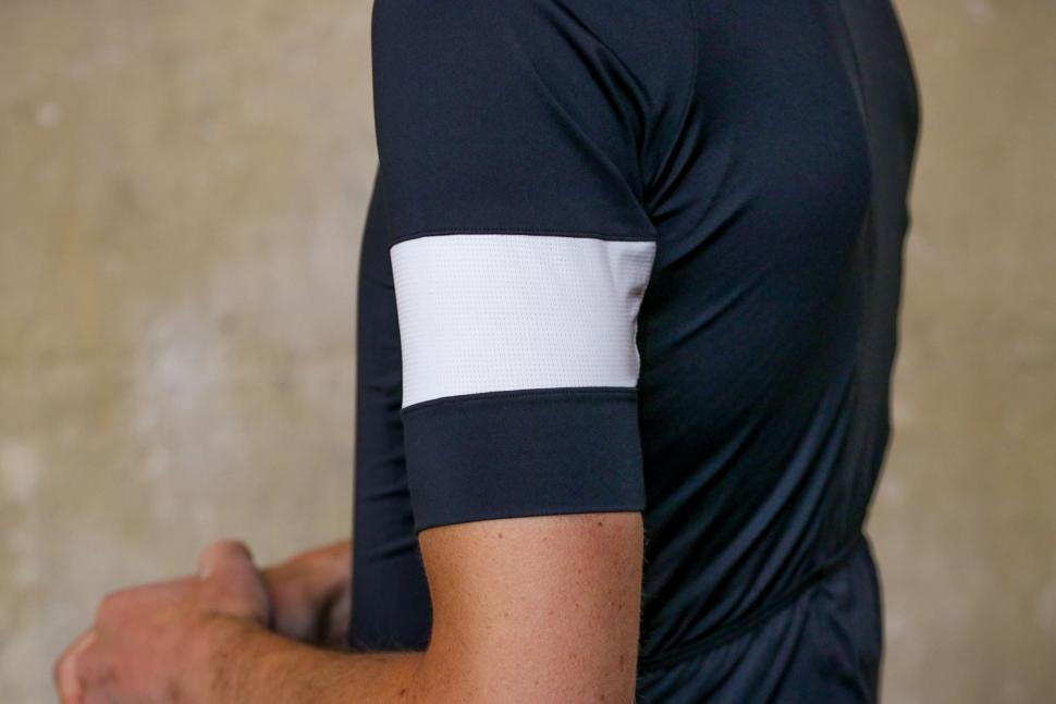 Rapha Pro Team Training Jersey - sleeve.jpg