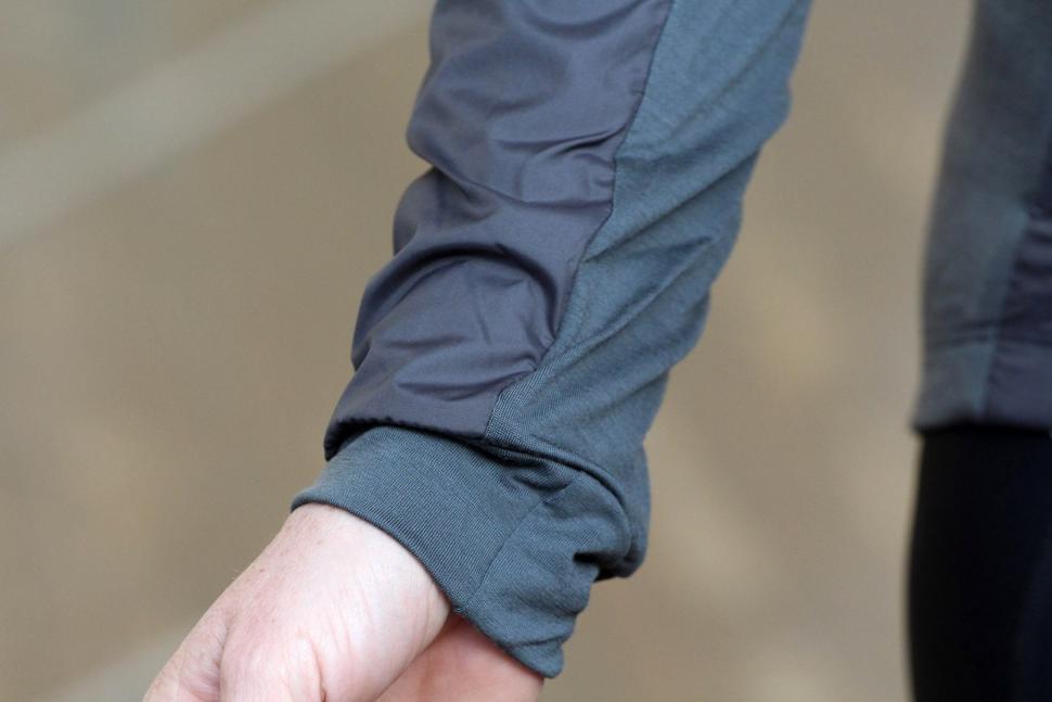 Rapha Womens Brevet Long Sleeve Windblock Jersey - cuff.jpg