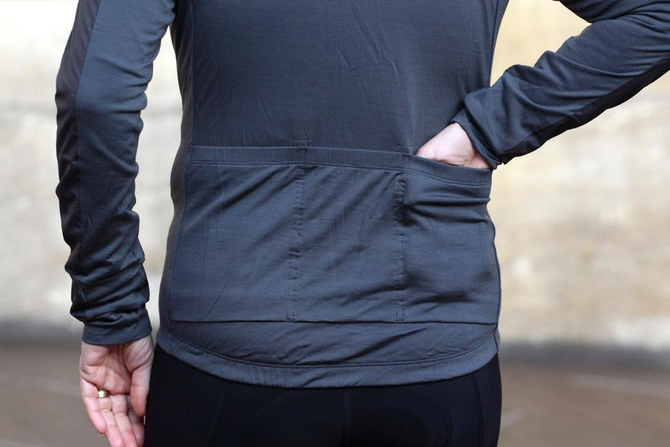 Rapha Womens Brevet Long Sleeve Windblock Jersey - pockets.jpg