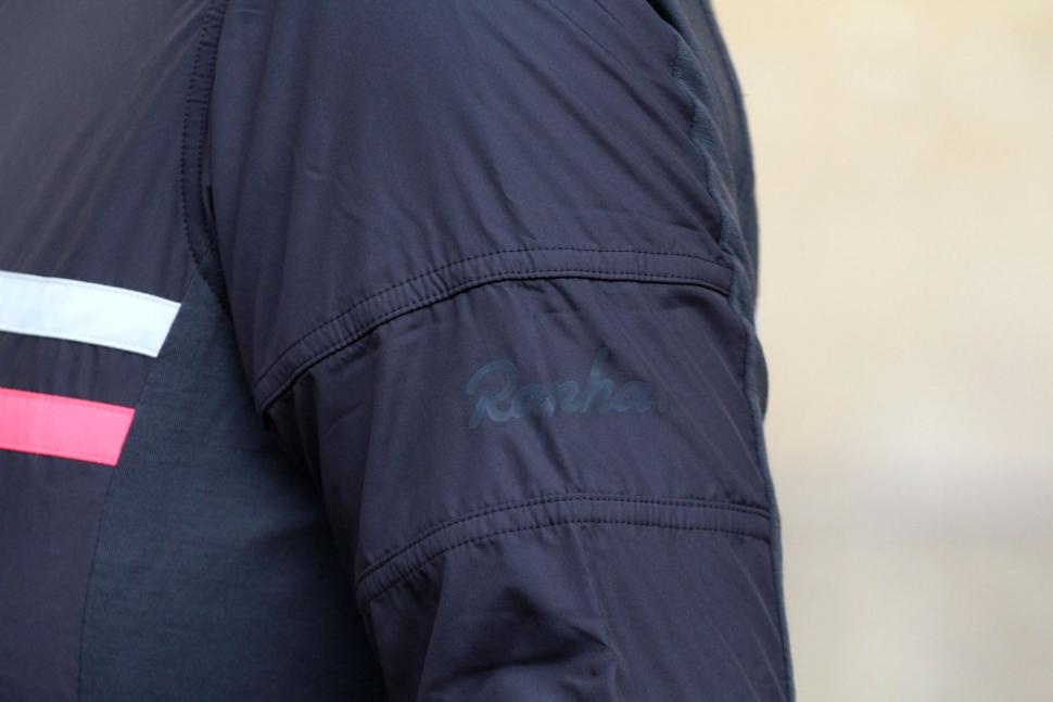 Rapha Womens Brevet Long Sleeve Windblock Jersey - shoulder.jpg