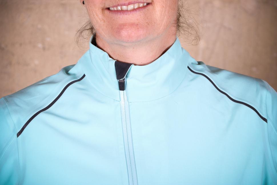 Rapha Womens Classic Winter Jacket - collar.jpg