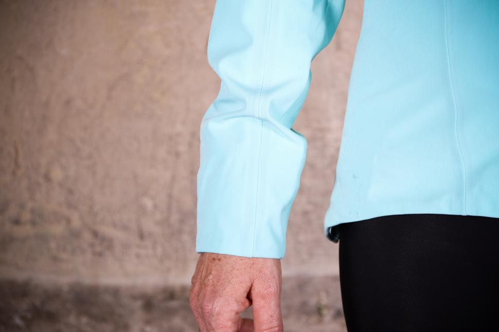 Rapha Womens Classic Winter Jacket - cuff.jpg