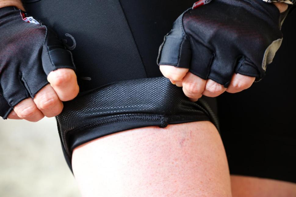 Rapha Womens Core Cargo Shorts - gripper.jpg