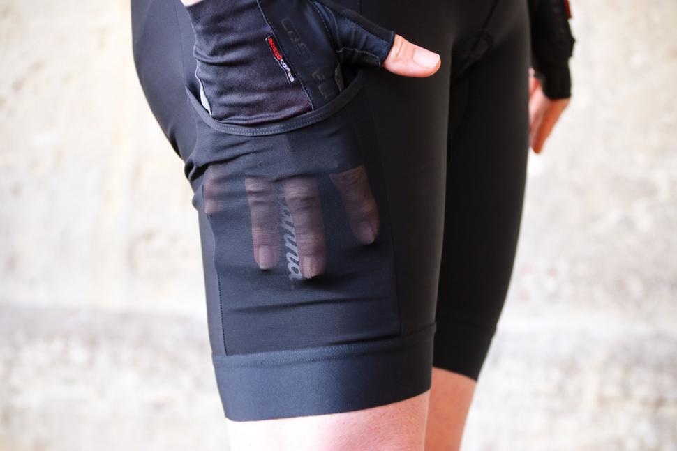 Rapha Womens Core Cargo Shorts - pocket.jpg