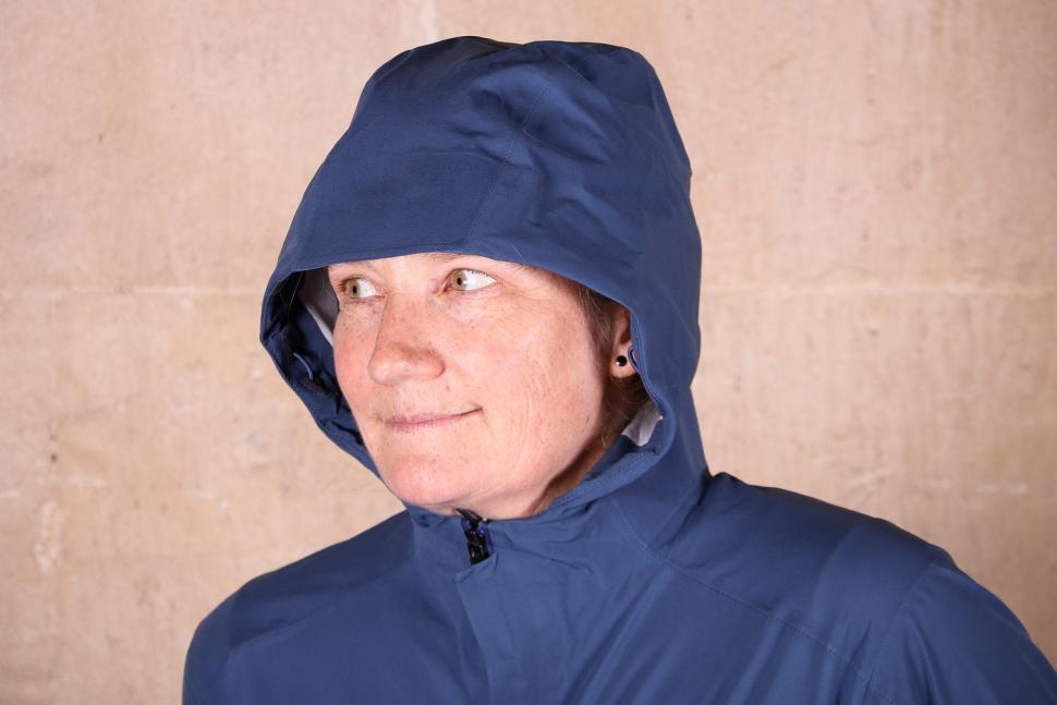 Rapha Womens Hooded Rain Jacket - hood.jpg