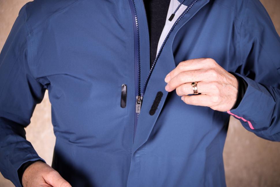 Rapha Womens Hooded Rain Jacket - placket.jpg