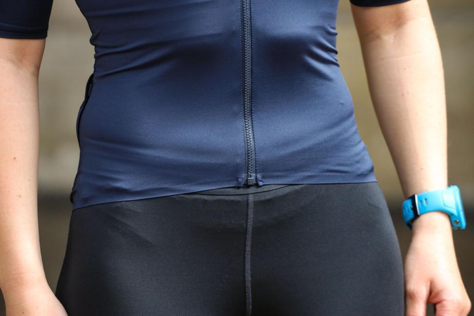 Rapha Womens Souplesse Aero jersey - hem.jpg