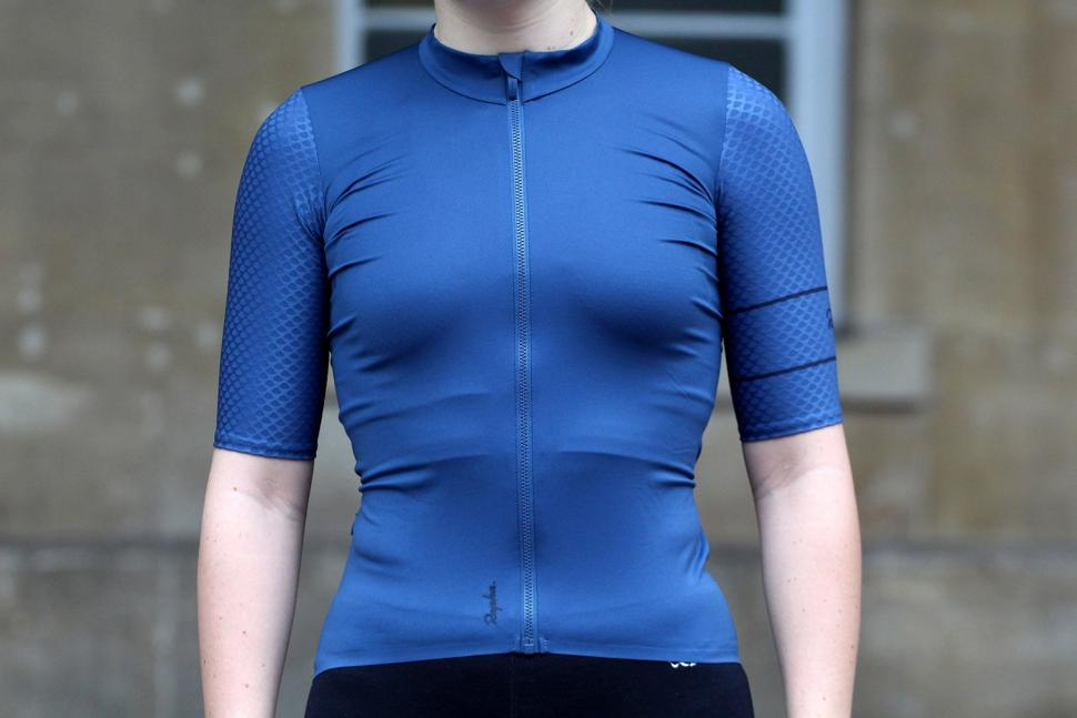 fb495974a Review  Rapha Women s Souplesse Aero Jersey