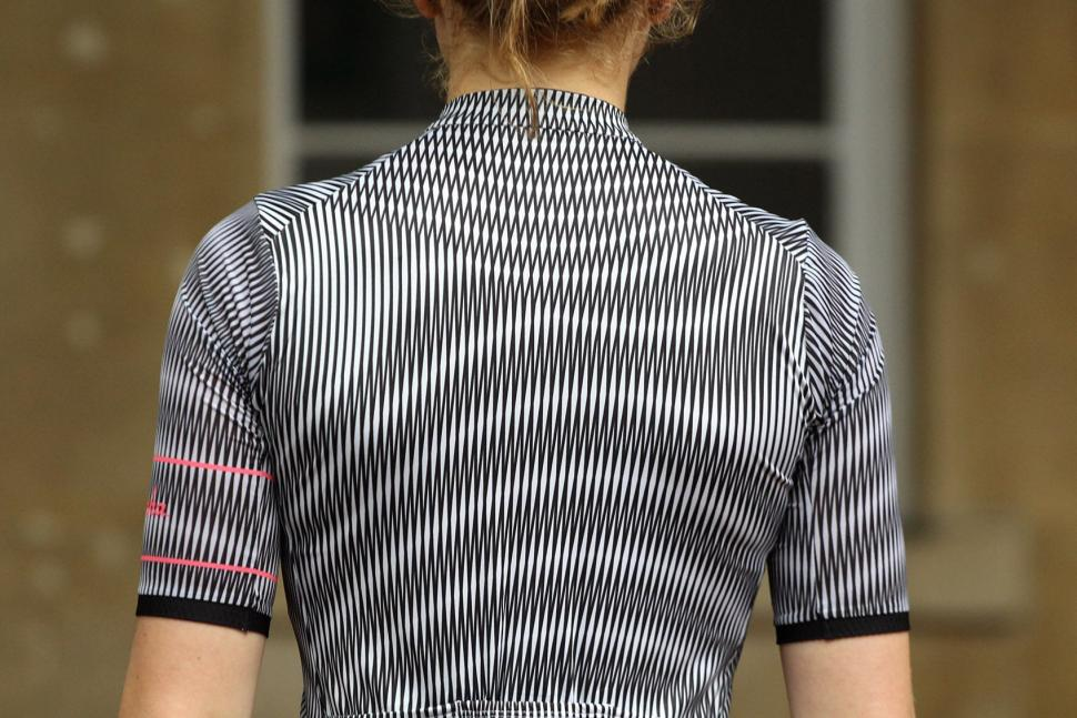 Rapha Womens Souplesse Lightweight Jersey II - shoulders.jpg