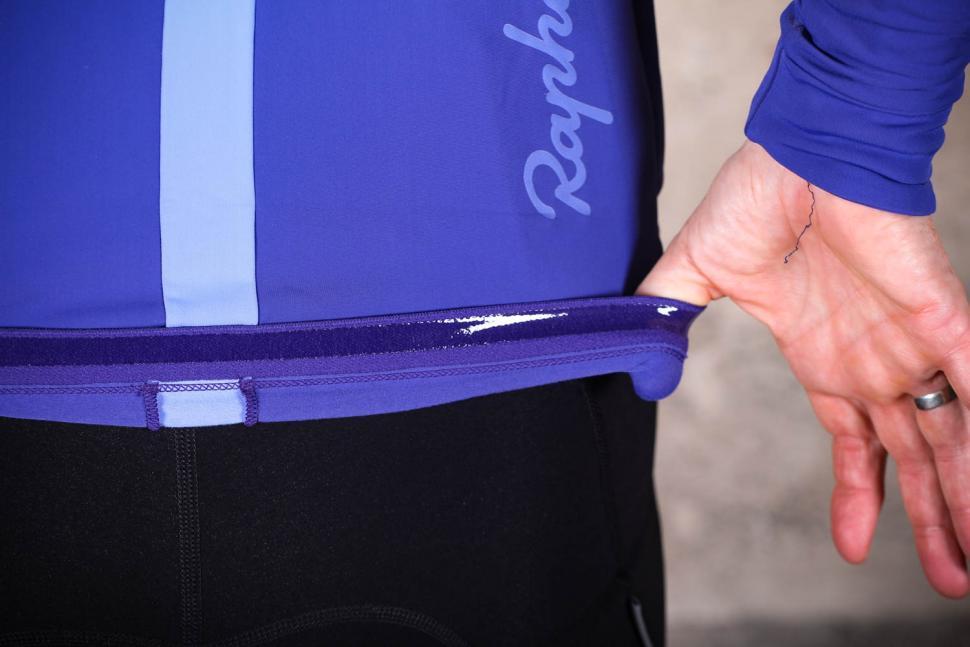 Rapha Women's Souplesse Thermal Jersey - gripper.jpg