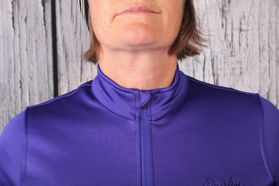 Rapha Women's Winter Jersey - collar.jpg