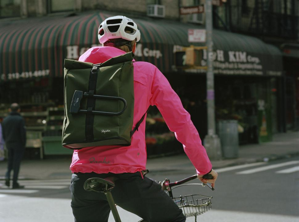 Rapha_Commuter_Bag SS19_47