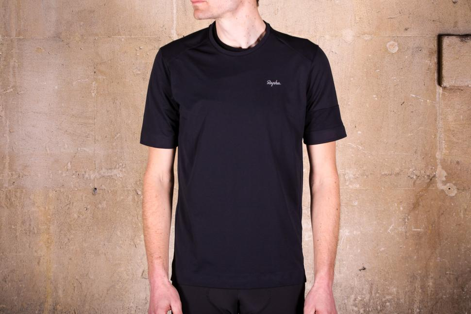 Review  Rapha Technical T-Shirt  a1efde4b8