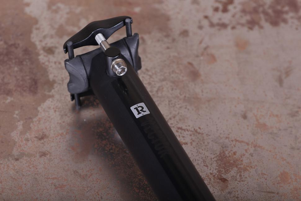 Reilly Cycleworks Vector Carbon Fibre Seatpost 4.jpg
