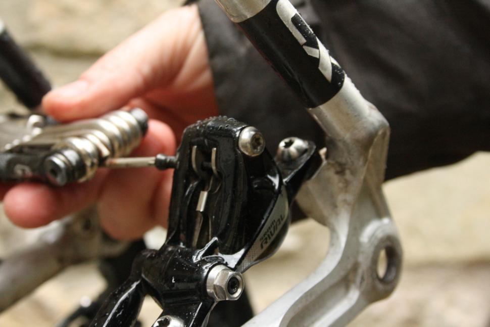 Remove retaining bolt.JPG