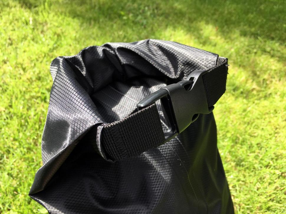 Restrap Dry Bag Double Roll 14 Litre - roll-top.jpg