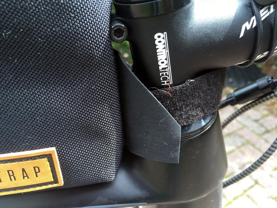 Restrap Top Tube Bag - velcro.jpg