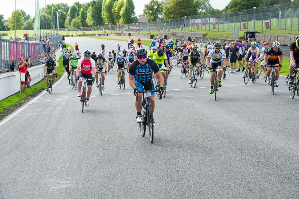 Revolve24 race report - the start.jpg