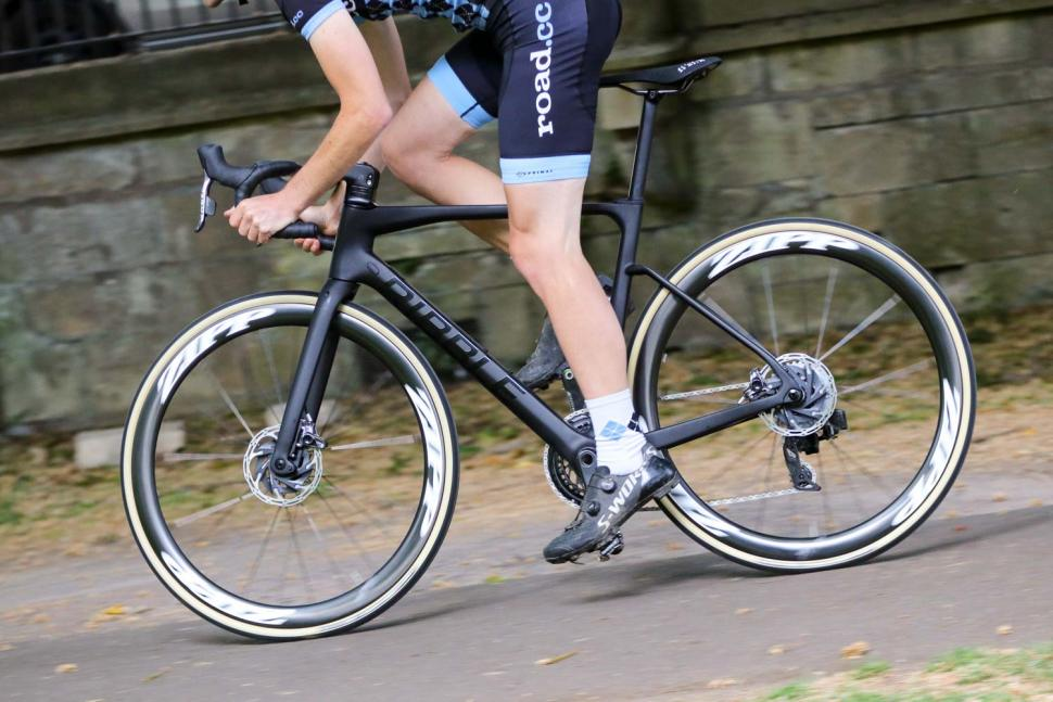 Ribble Endurance SL R Series Disc - riding 2.jpg