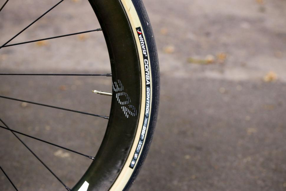 Ribble Endurance SL R Series Disc - tyre.jpg