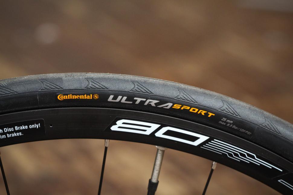 Ribble Sportive Racing Disc - tyre.jpg