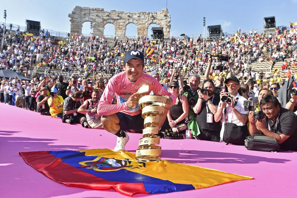 Richard Carapaz with the Giro d'Italia trophy in Verona (picture RCS Sport, LaPresse)
