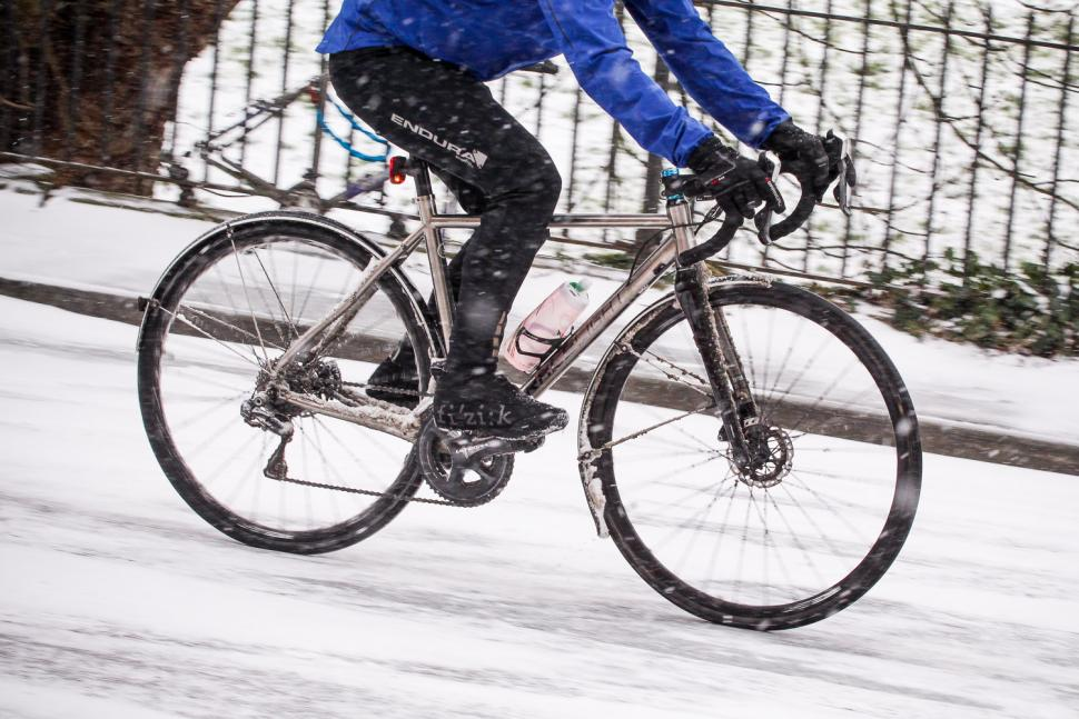 Cycling survival: road.cc\'s tips for riding on ice and snow | road.cc