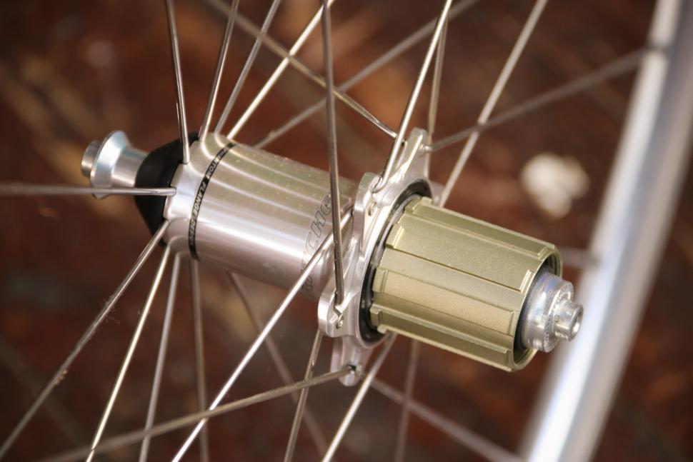 Ritchey Classic Zeta wheelset - rear hub.jpg