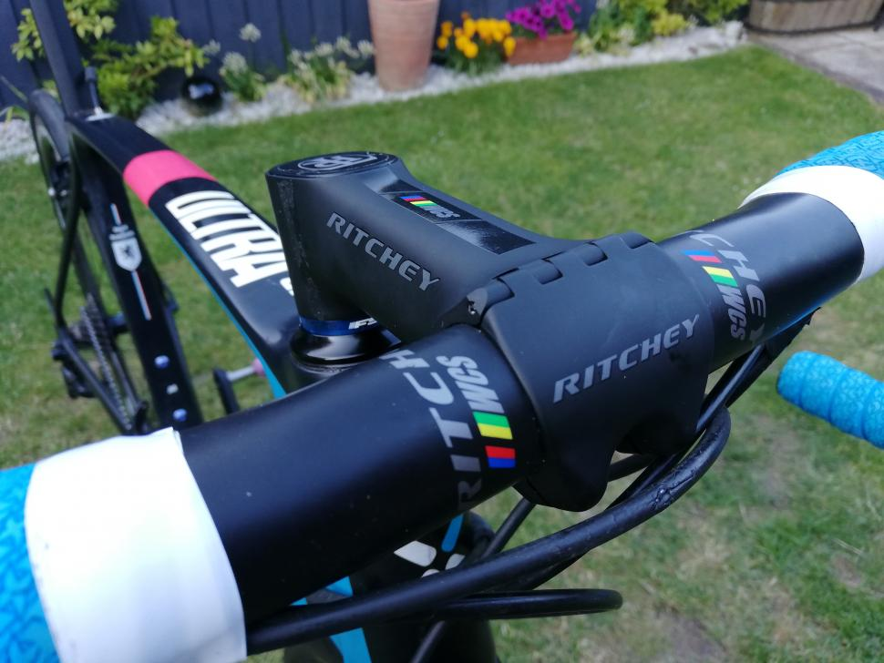 Ritchey_WCS_Chicane_Stem_Fitted_Front.jpg