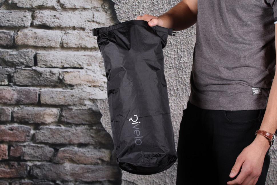 Rivelo Coombe Dry Rucksck - dry bag.jpg