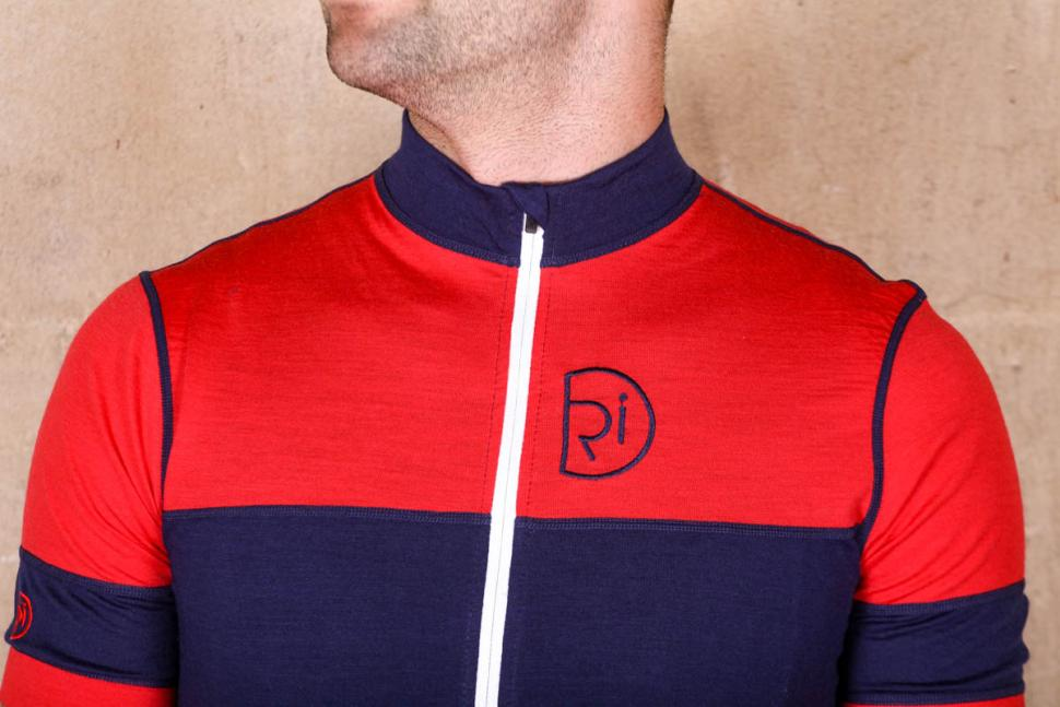 rivelo_barbondale_merino_ss_jersey_-_chest.jpg
