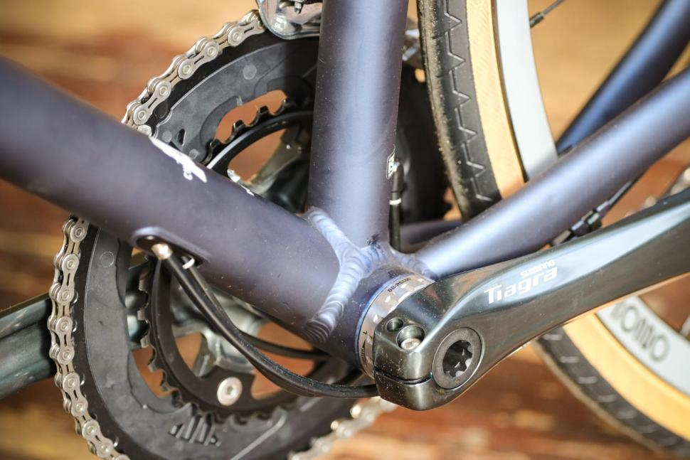 Rondo HVRT AL - bottom bracket 2.jpg