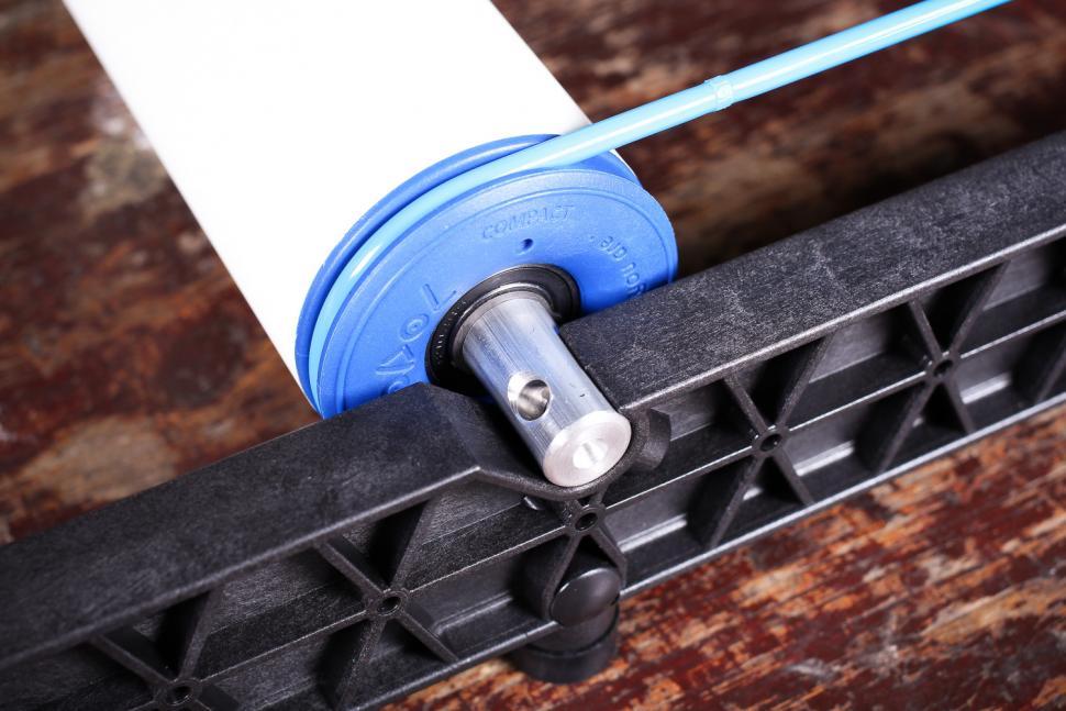 Roodol Compact Folding Rollers - roller detail 2.jpg