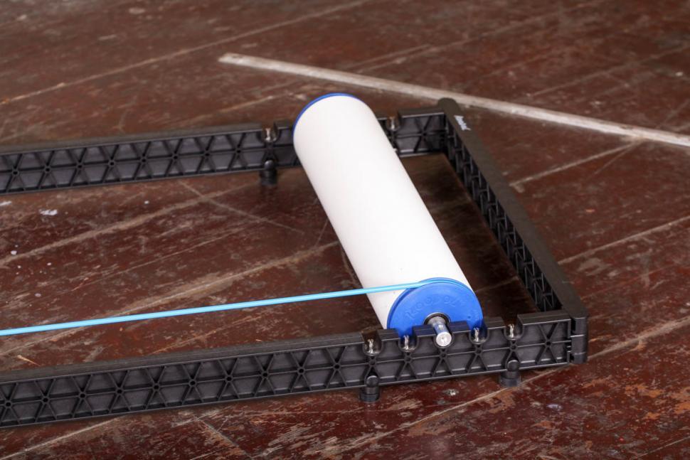 roodol_track_folding_rollers_-_roller_detail_2.jpg