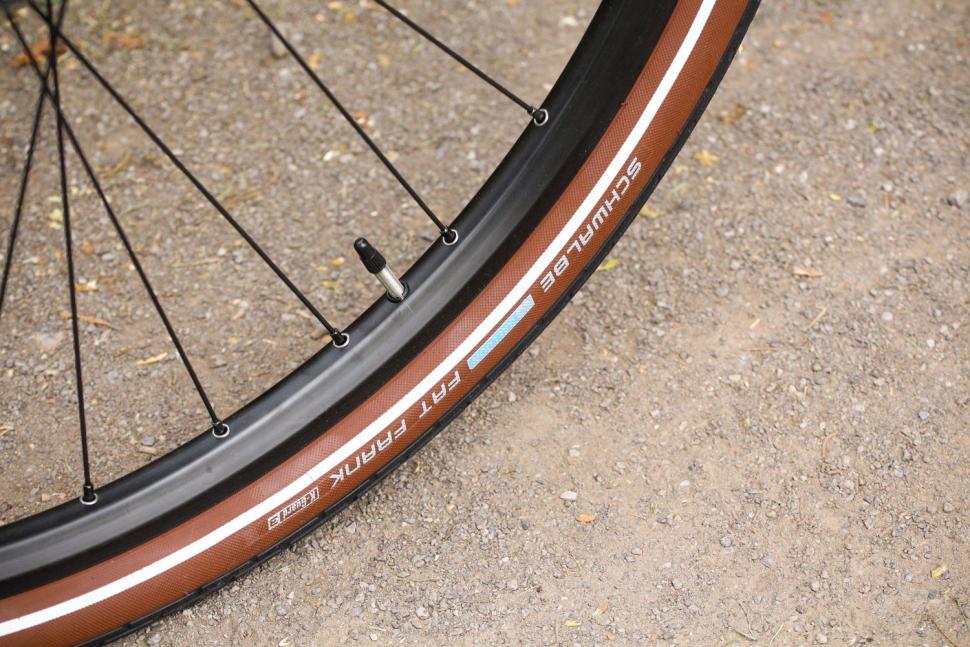 Rose Black Creek - tyre.jpg