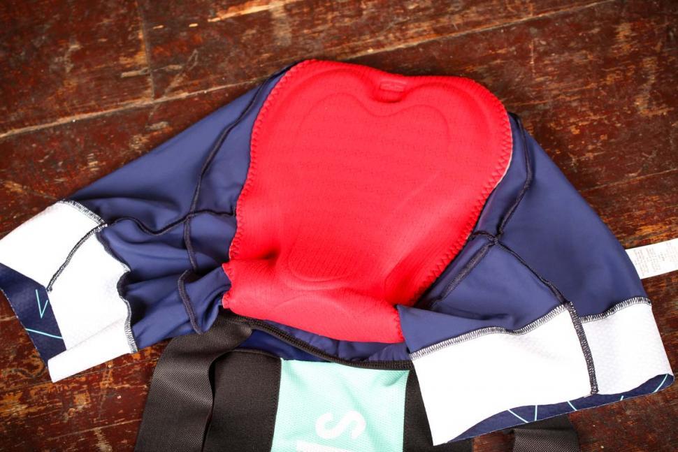 saikel_chevron_shorts_womens_-_pad.jpg
