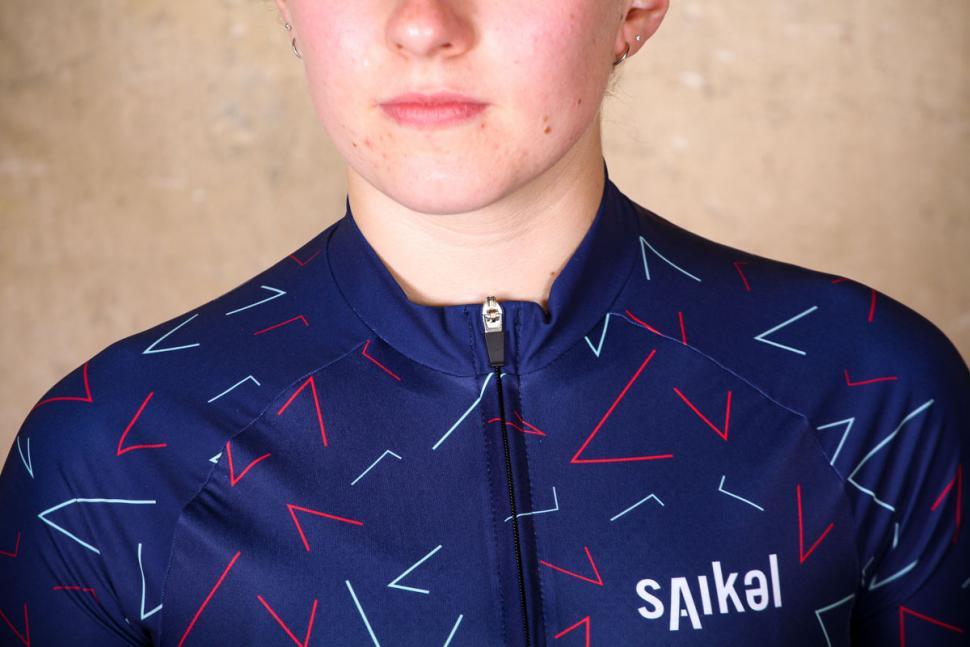 saikel_chevrons_jersey_womens_-_collar.jpg