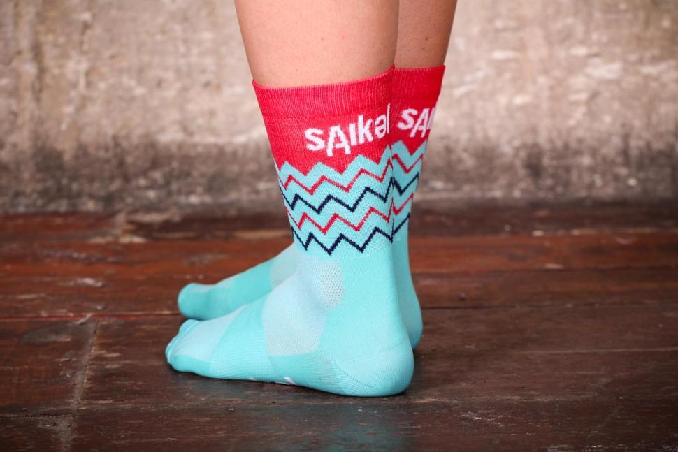 saikel_chevron_socks_2.jpg