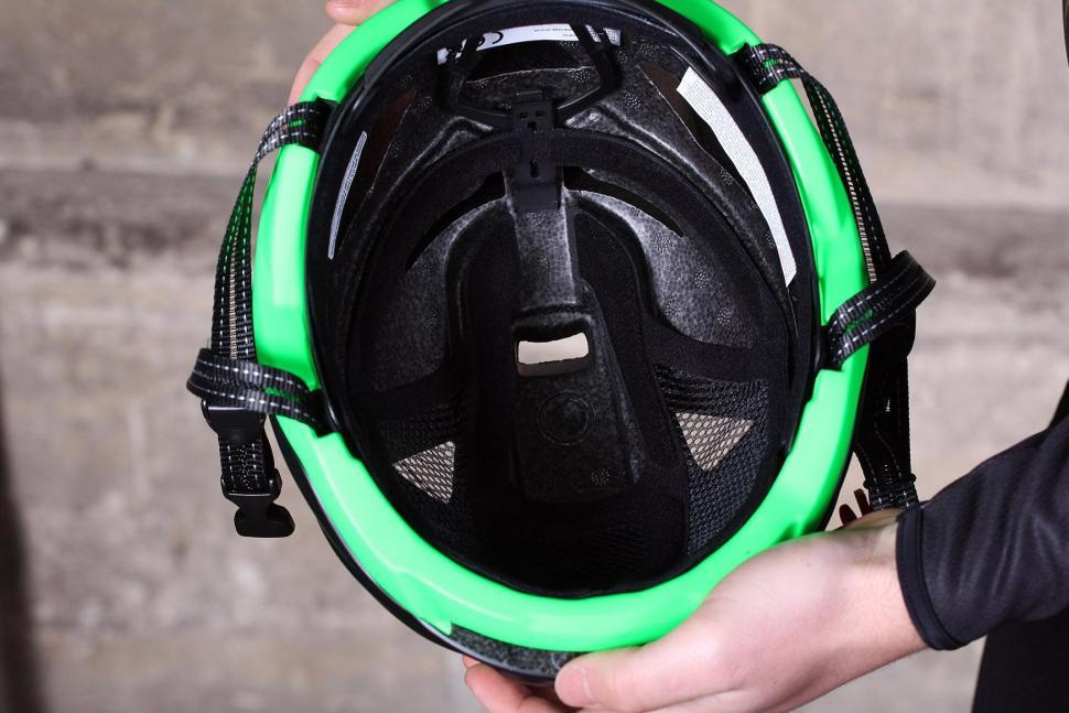 Salice Levante Helmet - inside.jpg