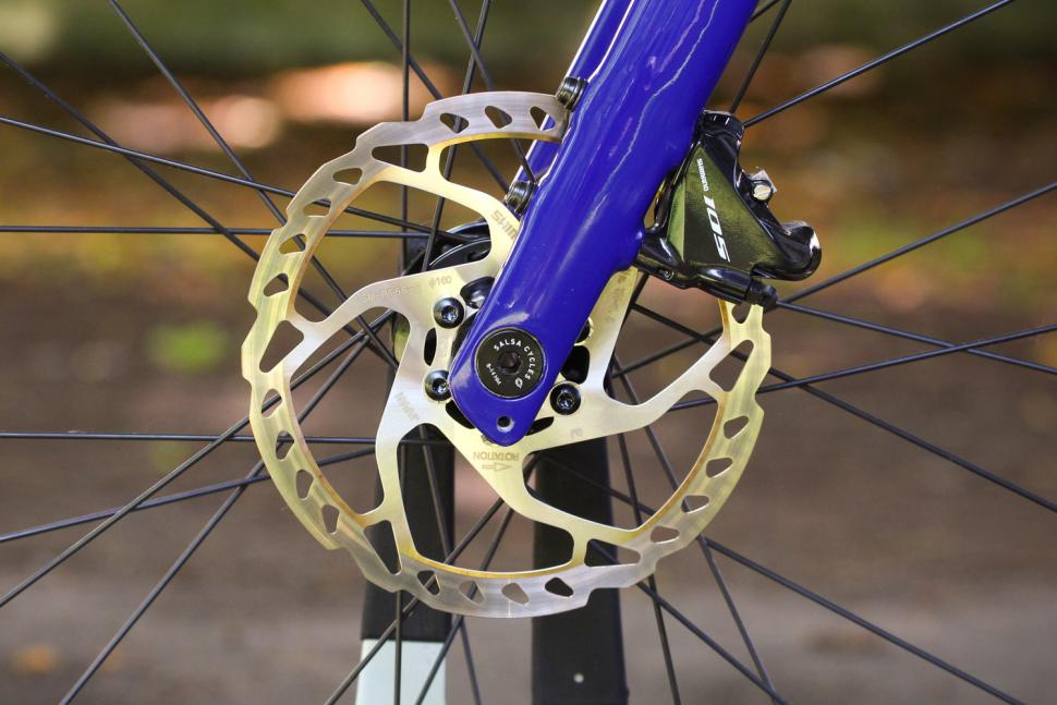 Salsa Warroad - front disc brake.jpg