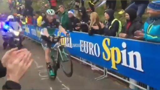 sam_bennett_wheelies_up_the_zoncolan_via_ciclismo_ignorante_on_twitter.jpg