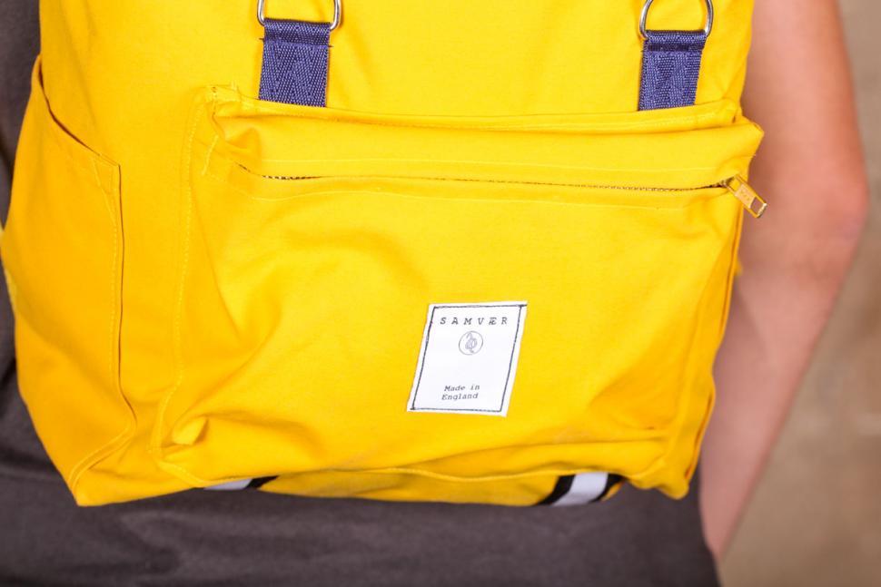 samvaer_city_camino_backpack_-_front_pocket.jpg