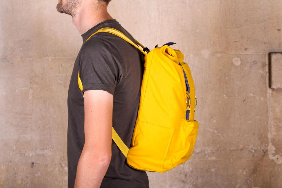 samvaer_city_camino_backpack_-_side.jpg