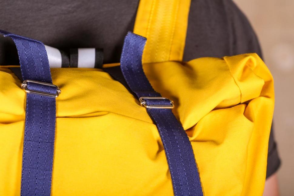 samvaer_city_camino_backpack_-_tension_straps.jpg